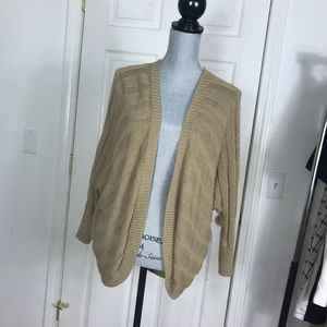 FOREVER 21 OPEN OVERSIZED SWEATER SIZE SMALL